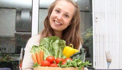 Ce mănâncă femeia care arată ca o adolescentă la 29 de ani