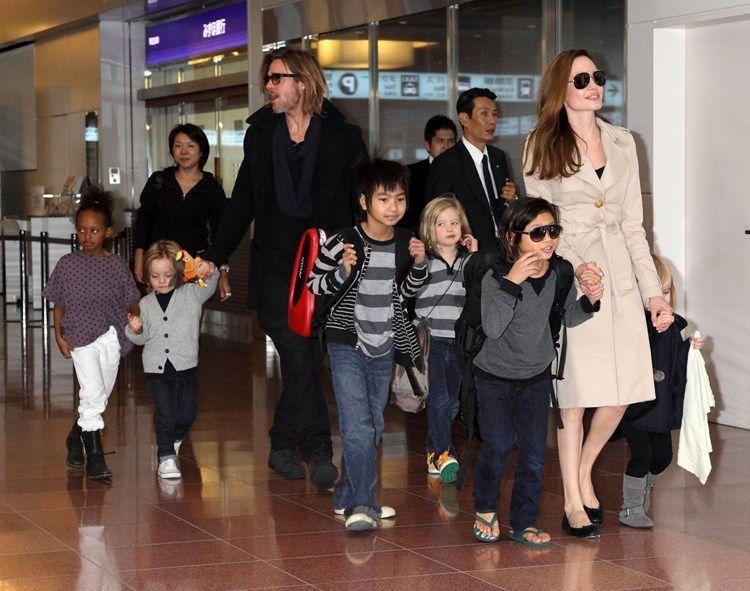 Brad Pitt, Angelina Jolie and children at Haneda International airport, Tokyo, Japan - 08 Nov 2011