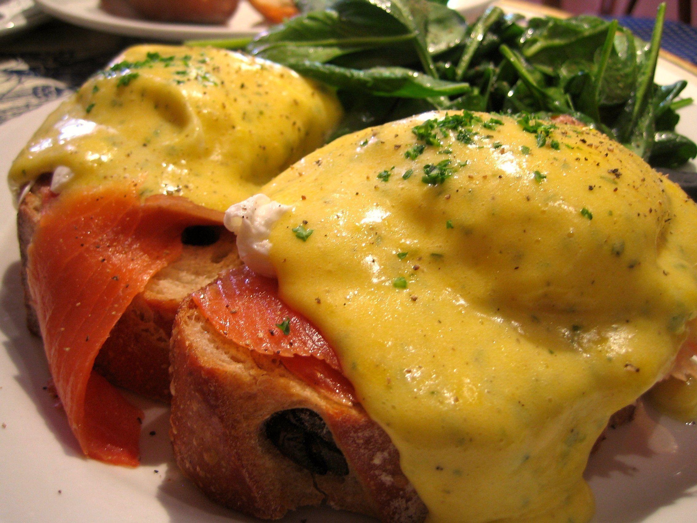 Flickr_sekimura_2390523527--Smoked_salmon_eggs_Benedict