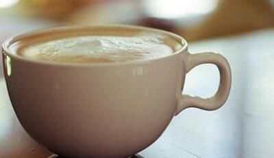 Nu bea cafea cu lapte. Află de ce!