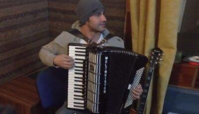 Video. Dan Bălan cântă la acordeon!