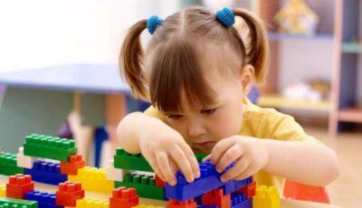 Ce jucării alegi pentru micuţul tău