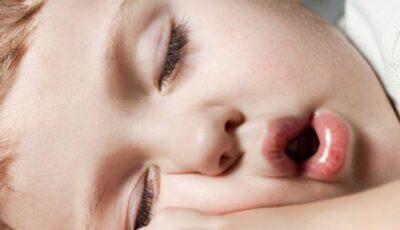 Vrei sa amâni operaţia pentru polipi a copilului? Află care sunt riscurile