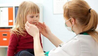 Pneumonia ucide un copil la fiecare 30 de secunde