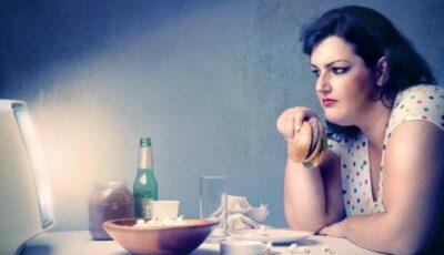 De ce este periculos să mâncăm noaptea?