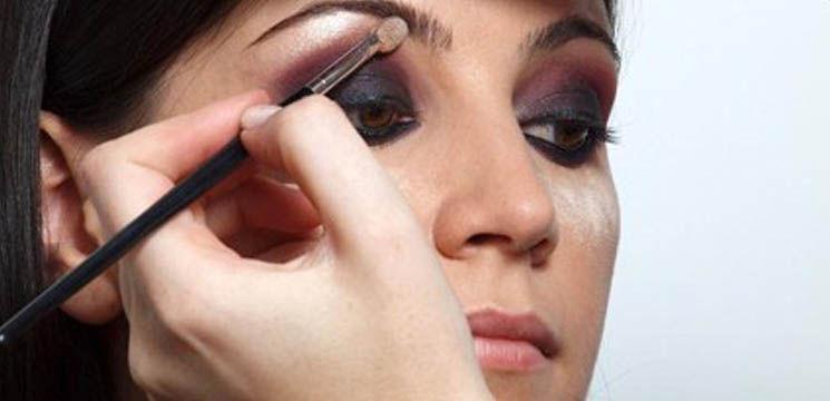 învaţă Cum Să Faci Un Machiaj Smokey Eyes Perfect