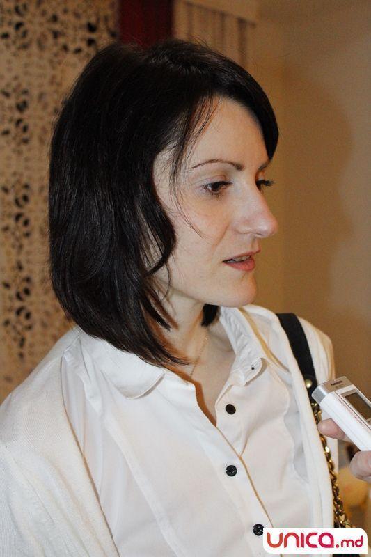 """2.""""Mănuși de piele"""" (Cristina  Fleshtor, director al portalului  HR)"""