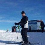 Foto: Ex-ministrul Apărării, la bustul gol!