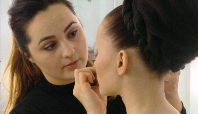 """Make-up artistul Iuliana Sandu: """"Atenție la microbii din pensulele de machiaj!"""""""