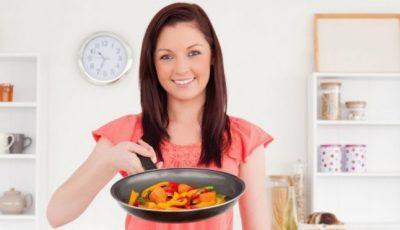 5 alimente mai benefice când sunt gătite decât în stare crudă