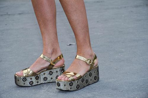 Află ce ținute nu sunt la modă în 2014!