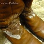Cum se ştergi petele lăsate de zăpadă de pe cizme?