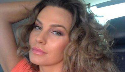 Anna Lesko îşi arată cu mândrie burtica