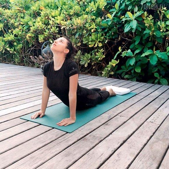 Jasmin, îndrăgostită de…yoga!