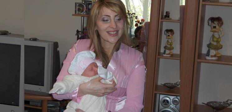 Foto: Aura: Despre cât de greu le-a adus pe lume pe Lori și Beti!