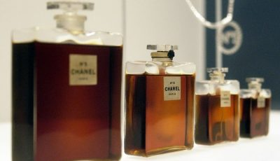 UE obligă producătorii de parfumuri să modifice compoziţia chimică. Vezi de ce