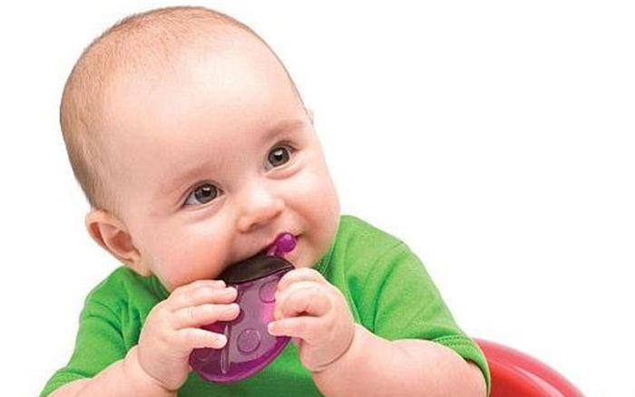 Foto: Ce fac dacă puiul meu scrâşneşte din dinţi?