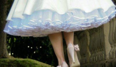 Crinolina rochiei de mireasă: avantaje, dezavantaje, criterii…