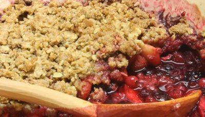 Fructe sub crustă fărâmicioasă
