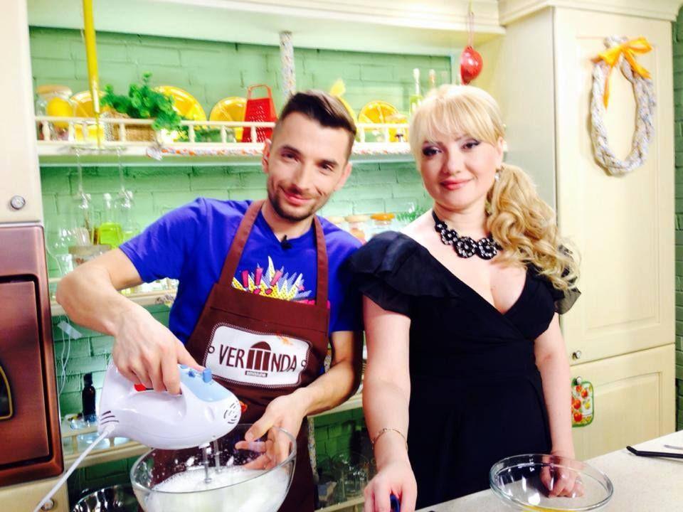 Adriana Ochișanu a fost cerută de nevastă!