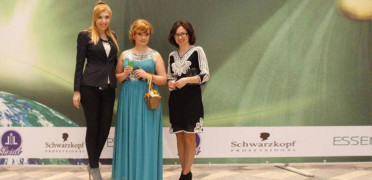 Foto: Femeile au fost invitate la un master class de coafuri!