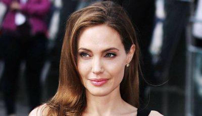 Angelina Jolie mai vrea un copil cu ajutorul unei mame surogat