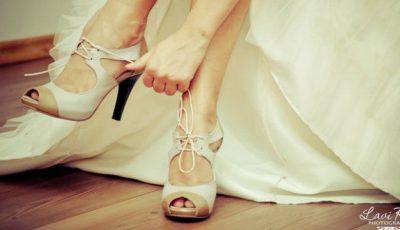 Vedetele au renunţat la pantofii de mireasă albi! Ce se poartă anul acesta