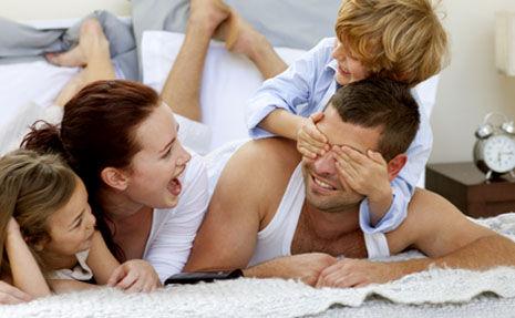 Ce trebuie să știi dacă iubești un bărbat care are copii!