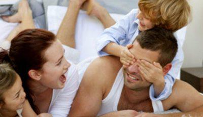 Ce trebuie să știi dacă iubești un bărbat care are copii din relația anterioară