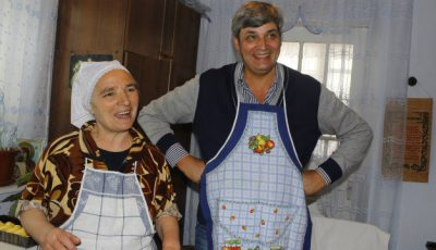 Constantin Moscovici ne-a invitat în Cărpineni! Vezi cum se pregătește familia de Paște!