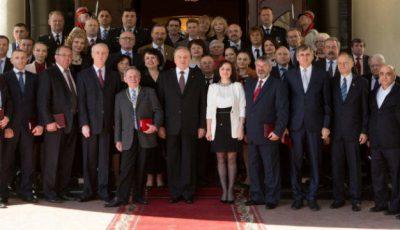 42 de moldoveni au primit titluri și medalii de la președintele țării Nicolae Timofti