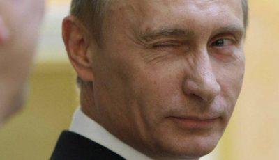 O interpretă l-a făcut pe Putin gay! Vezi cine