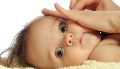 Îngrijirea ochilor, nasului și urechilor nou-născutului
