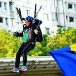 Foto: Oazu Nantoi a sărit cu parașuta la 66 de ani!