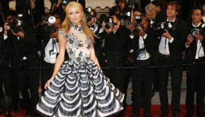 Paris Hilton poartă pantofi creați de două moldovence!