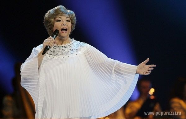 Pentru că nu renunță la concerte, Edita Pieha, la cei 76 de ani, își pune viața în pericol. Chiar în timpul unui concert, artistei i s-a făcut rău, iar medicul a crezut că interpreta a avut un infarct, ulterior diagnosticul nu a fost confirmat. Dar spectacolul a fost amânat.
