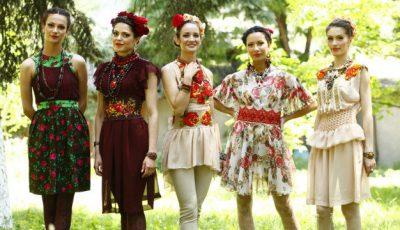 Elena Grosu vrea să vadă în fiecare zi câte o femeie îmbrăcată în rochiile ei!