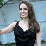 Foto: Angelina Jolie a ajuns la 40 de kilograme!