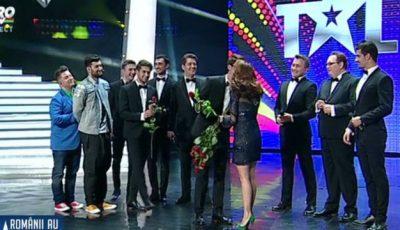"""Mihai Petre: """"Voi trebuie să câștigați Românii au Talent""""! Brio Sonores au intrat în finală"""
