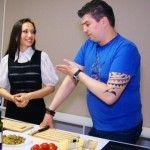 Foto: Nicu Țărnă s-a pus pe slăbit de dragul soției sale frumoase!