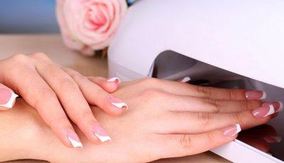 Specialiştii te avertizează: poți face cancer de la manichiura cu gel