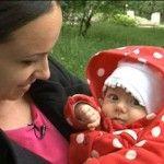 Foto: Prezentatoare tv, Lucia Roşca, şi-a botezat fetiţa