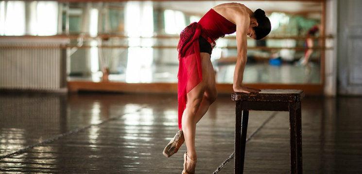Foto: Pictorial! Cum arată în realitate picioarele balerinelor