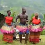 Foto: Bătută moldovenească dansată de un trib african!