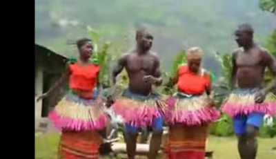 Bătută moldovenească dansată de un trib african!