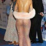 Rihanna, cu sânii și fundul gol pe covorul roșu!