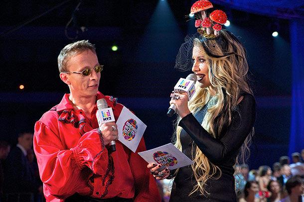Evoluția ținutelor Xeniei Sobchak la premiile Muz Tv!