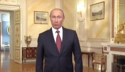 Toți îi iau peste picior! Vezi cum vorbesc Putin și Medvedev în limba engleză!