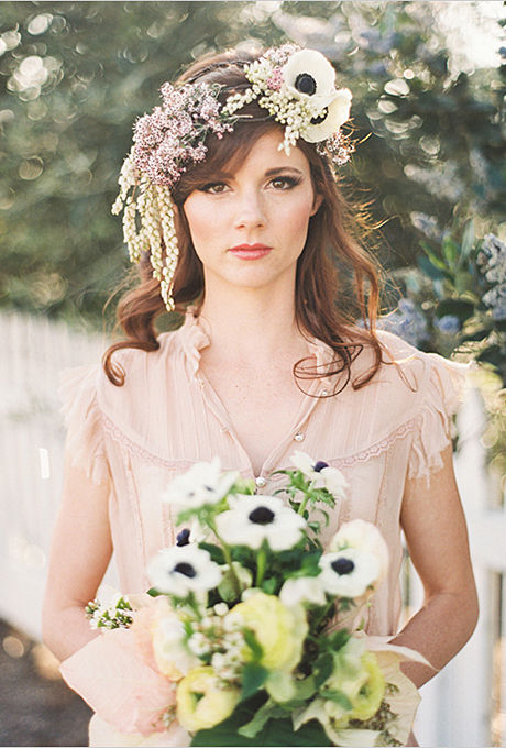 Coafura-de-nunta-cu-flori