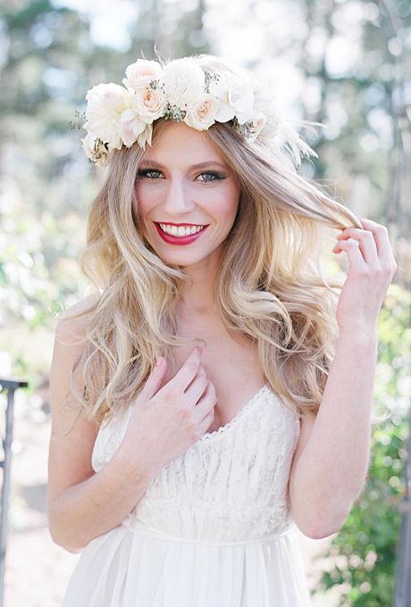 Coronita-din-trandafiri-pentru-coafura-de-nunta